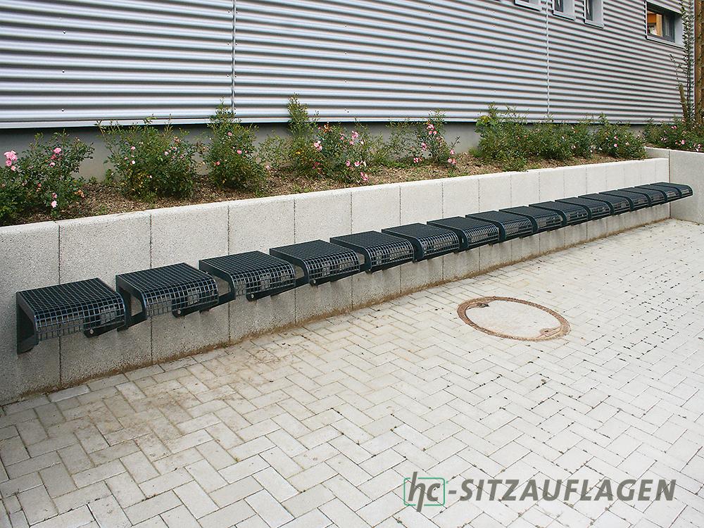 Stadtmöbel von hygrocare: Bänke aus Stahlgitter